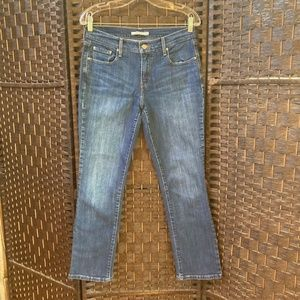 LEVI'S 505 woman's straight  jeans Size 6